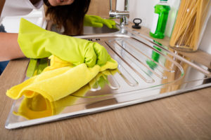 What cleans stainless steel sinks the best
